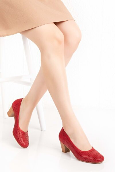 Gondol Kadın Kırmızı Hakiki Deri Klasik Topuklu Ayakkabı
