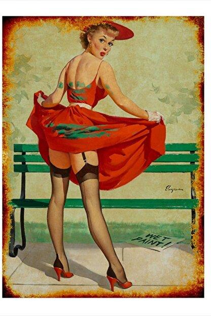 Tablomega Kırmızı Elbiseli Kadın Model Ahşap Tablo 35cm X 50cm