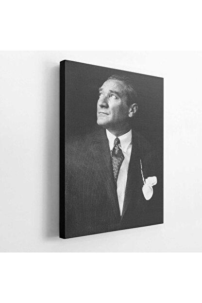BASKIVAR Istikbal Göklerde Siyah Beyaz Atatürk Portre Dikey Kanvas Tablo - Tablo - Ata-102