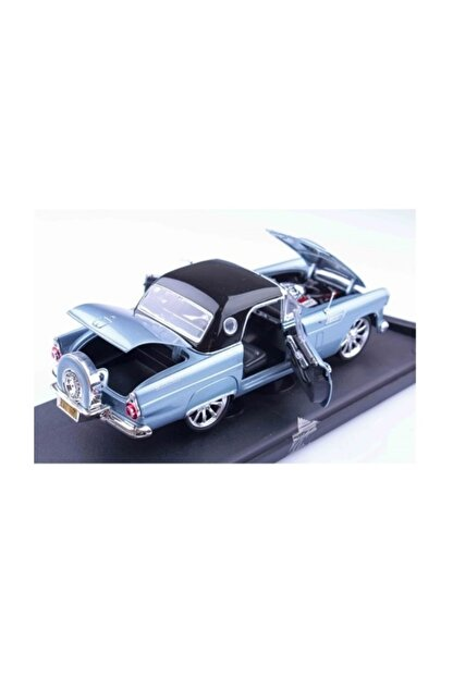 Motomax 1956 Ford Thunderbird 1/18 Die Cast Model Araç