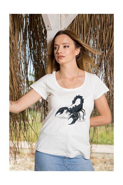 Angemiel Wear Koyu Renkli Akrep Pamuklu Beyaz Kadın Tişört