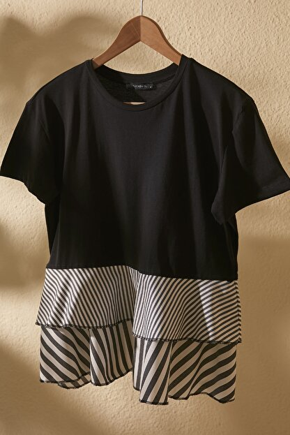TRENDYOLMİLLA Siyah Volanlı Ve Çizgili Dokuma Detaylı Örme Bluz TWOSS20BZ1361