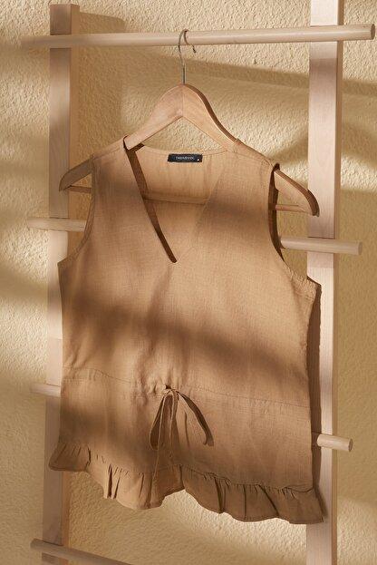 TRENDYOLMİLLA Bej Bağlama Detaylı Bluz TWOSS20BZ0898