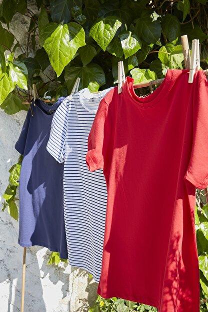 TRENDYOLMİLLA Lacivert Kırmızı ve Çizgili 3'lü Paket %100 Pamuk Bisiklet Yaka Basic Örme T-Shirt TWOSS20TS1479