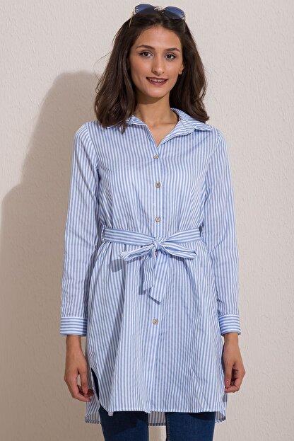 Kadın Modası Kadın Bebe Mavi Düğmeli Kuşaklı Çizgili Tunik