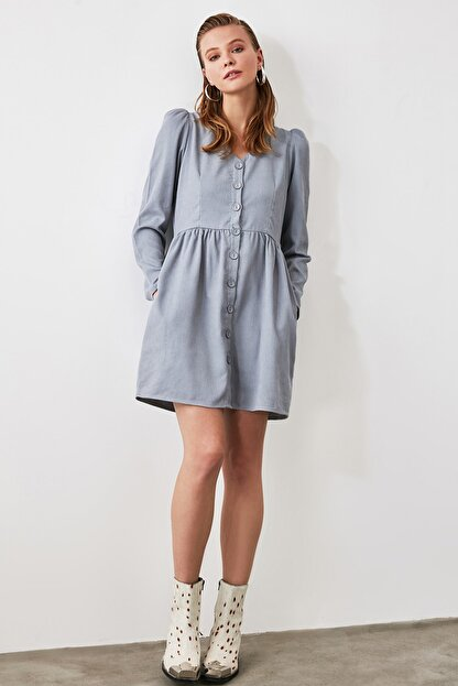 TRENDYOLMİLLA Mavi Düğme Detaylı Kadife Elbise TOFAW19ST0191