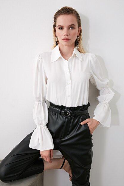 TRENDYOLMİLLA Beyaz Kol Detaylı Gömlek TWOAW20GO0428