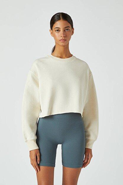 Pull & Bear Kadın Buz Rengi Rahat Crop Fit Sweatshirt 09594315