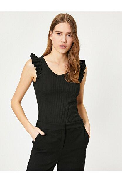 Koton Kadın Siyah Omuzları Fır Fır Detaylı Bluz