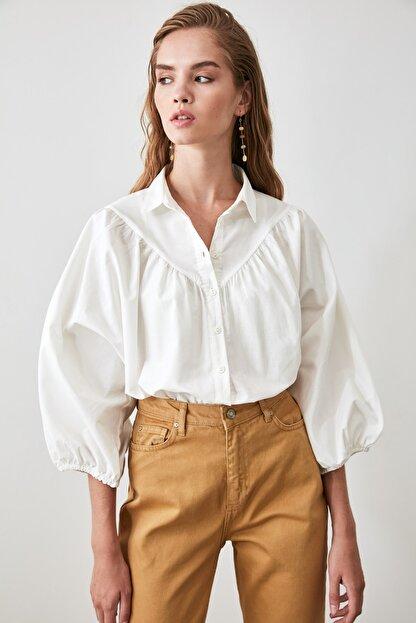 TRENDYOLMİLLA Beyaz Balon Kollu Gömlek TWOAW21GO0353