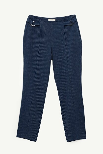Yargıcı Kadın Lacivert Çizgili Dar Toka Detaylı Pantolon 0YKPN3135X