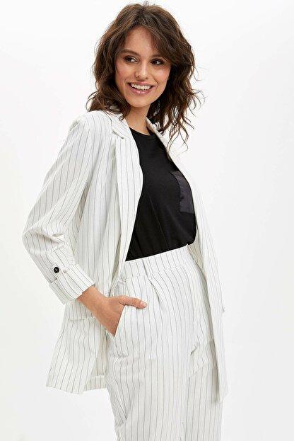 Defacto Kadın Beyaz Regular Fit Blazer Ceket N3733AZ.20SP.WT34