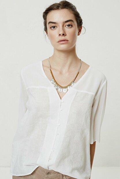 Yargıcı Kadın Beyaz Şifon Detaylı Bluz 0YKGM6162X