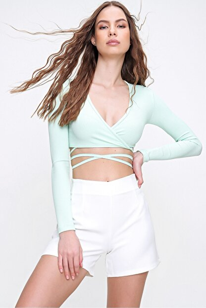 Trend Alaçatı Stili Kadın Su Yeşili Kruvaze Yaka Bağlamalı Crop Bluz ALC-X6059
