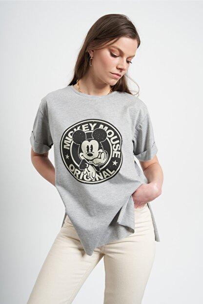 Tena Moda Kadın Gri Eskitme Mickey Mouse Baskılı  T-Shirt