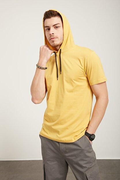 Tena Moda Erkek Hardal Kapüşonlu Düz Tişört