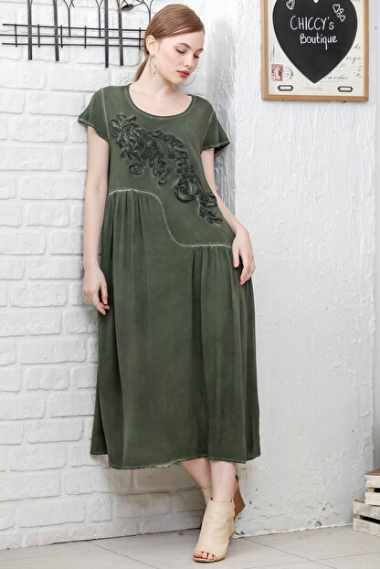 Chiccy Kadın Siyah Sıfır Yaka Süzene Çiçek Aplikeli Salaş Yıkamalı Elbise M10160000EL95154