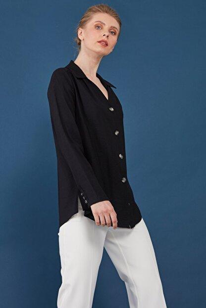 Journey Kadın Siyah Yaka Omuz Büzgü Detaylı Önden Düğmeli Bluz