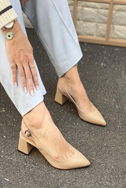 İnan Ayakkabı Kadın Bej Sivri Burun Arkası Açık Topuklu Ayakkabı