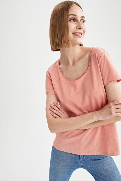 Defacto Kadın Ekru Relax Fit Yuvarlak Yaka Basic Tişört