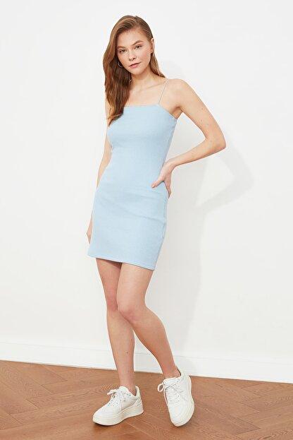 TRENDYOLMİLLA Mavi Askılı Bodycon Mini Örme Elbise TWOSS21EL2327
