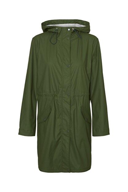 Vero Moda Kadın Yeşil Kapüşonlu Büzgülü Yağmurluk