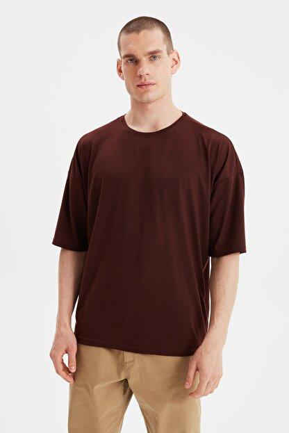 TRENDYOL MAN Kahverengi Basic Erkek Bisiklet Yaka Oversize Kısa Kollu T-Shirt TMNSS21TS0811