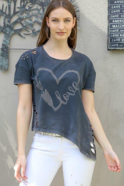 Chiccy Kadın Antrasit Love Kalp Baskılı Lazer Kesimli Asimetrik Yıkamalı T-Shirt M10010300TS98245