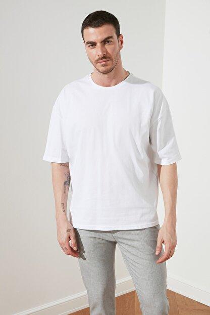 TRENDYOL MAN Beyaz Erkek Geniş Kesim T-Shirt TMNSS20TS0947