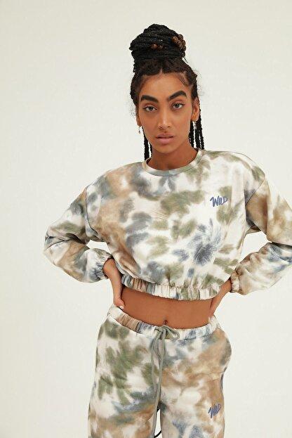Quzu İKadın ndigo Batik Desenli Nakışlı Sweatshirt