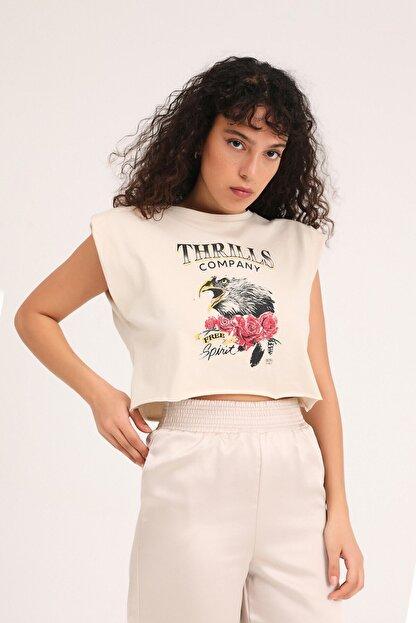 Quzu Butikaylinnnn Kadın Bej Baskılı Vatkalı Crop Tişört