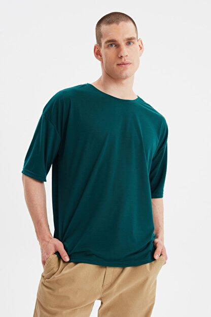 TRENDYOL MAN Zümrüt Yeşili Basic Erkek Bisiklet Yaka Oversize Kısa Kollu T-Shirt TMNSS21TS0811