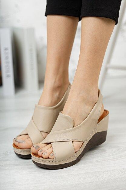 M&B Collection Kadın  Bej Hakiki Deri Dolgu Topuklu Deri Sandalet