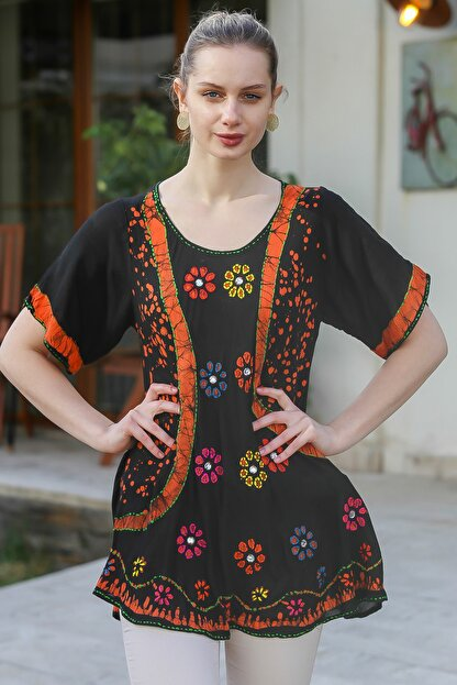 Chiccy Kadın Siyah U Yaka Çiçek Nakışlı Batik Desenli Salaş Tunik Bluz M10010200BL95380