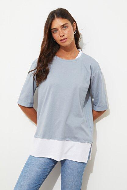 TRENDYOLMİLLA Gri Süprem Parça Detaylı Boyfriend Örme T-Shirt TWOSS20TS0858