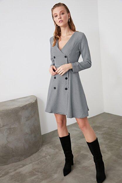 TRENDYOLMİLLA Çok Renkli Düğme Detaylı Elbise TWOAW21EL0147