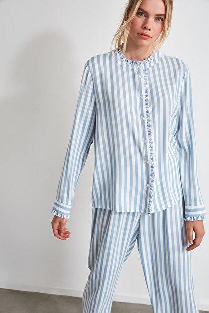 TRENDYOLMİLLA Mavi Çizgili Dokuma Pijama Takımı THMAW21PT0290