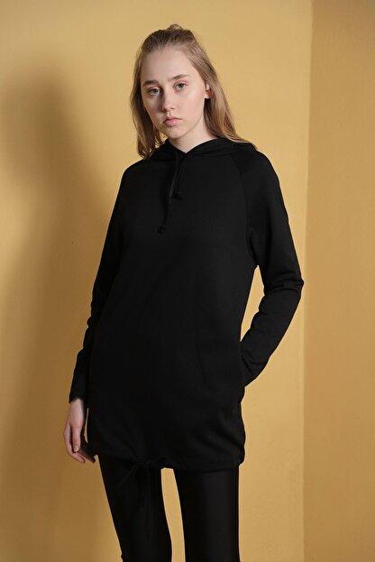 Carlamia Kadın Siyah Kapüşonlu Eteği Bağcıklı Sweatshirt