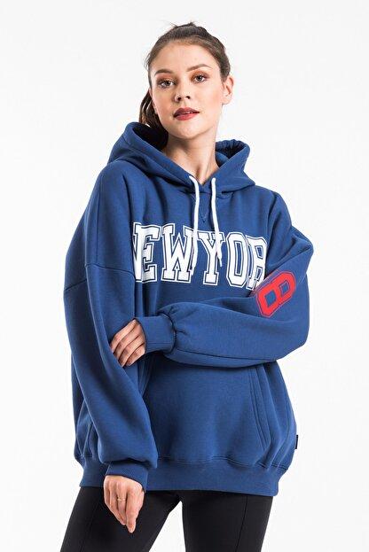 CAYA Kadın Indigo Mavi Baskı Detaylı Oversize Sweatshirt
