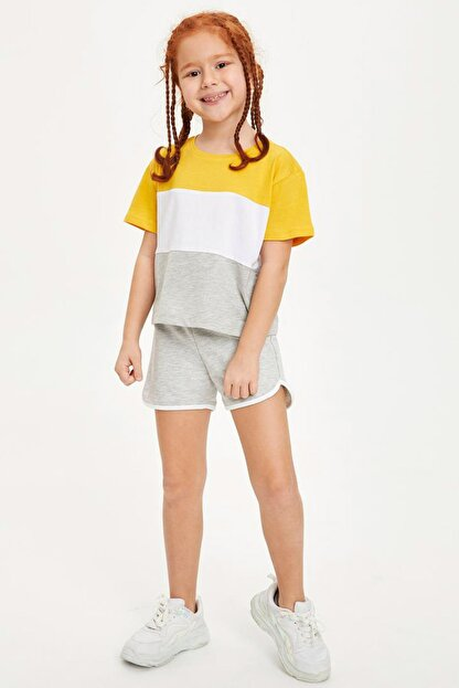 Defacto Kız Çocuk Renk Bloklu Kısa Kollu Tişört
