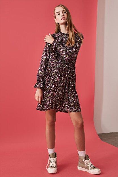 TRENDYOLMİLLA Çok Renkli Desenli Elbise TWOAW21EL0610