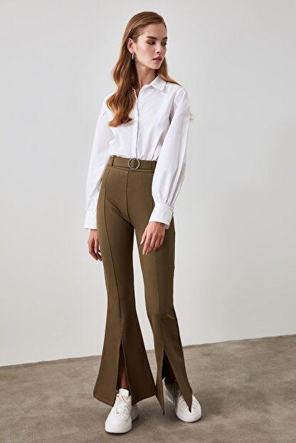 TRENDYOLMİLLA Haki Taşlı Kemerli Yırtmaç Detaylı Örme Pantolon TWOSS20PL0100