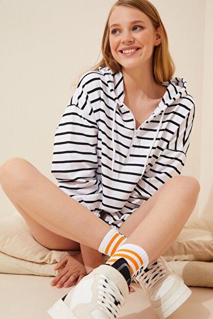Happiness İst. Kadın Beyaz Fermuarlı Kapüşonlu Mevsimlik Sweatshirt ZV00137