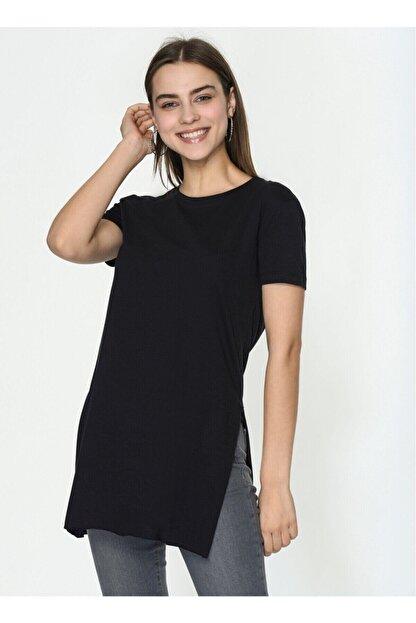 IŞILDA Kadın Siyah  Yanları Yırtmaçlı Kısa Kol Basic Tshirt