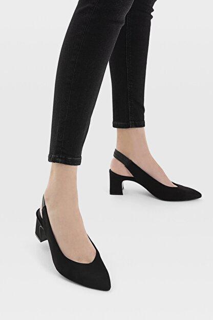 Stradivarius Kadın Siyah Sivri Burunlu Arkası Açık Topuklu Ayakkabı 19150770