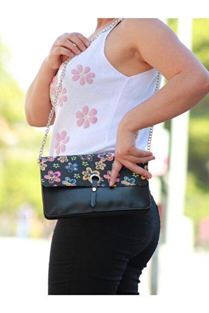 black bags Kadın Siyah Çiçekli Gümüş Zincirli Kol Çantası