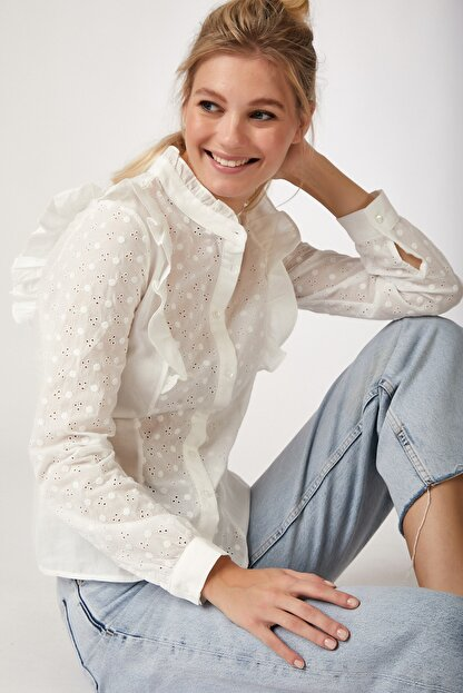 Happiness İst. Kadın Beyaz Fırfırlı Fistolu Gömlek FN02281