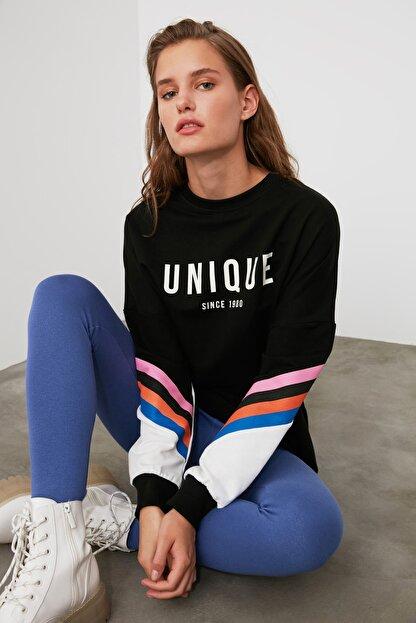 TRENDYOLMİLLA Siyah Baskılı Oversize Örme Sweatshirt TWOAW21SW0374
