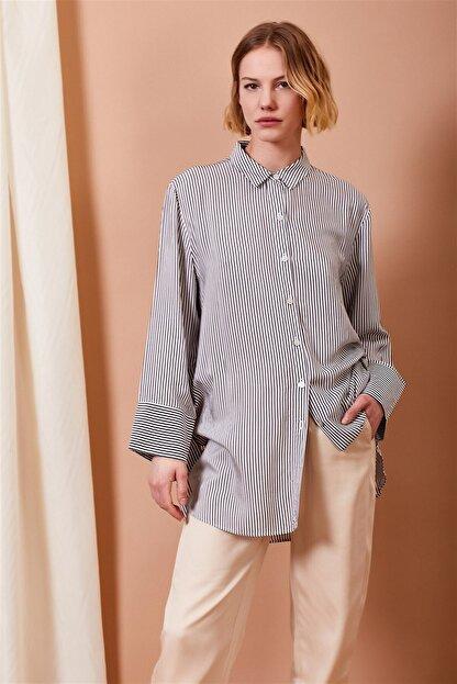 Alvina Moda Kadın Siyah Beyaz Çizgili Oversize Gömlek