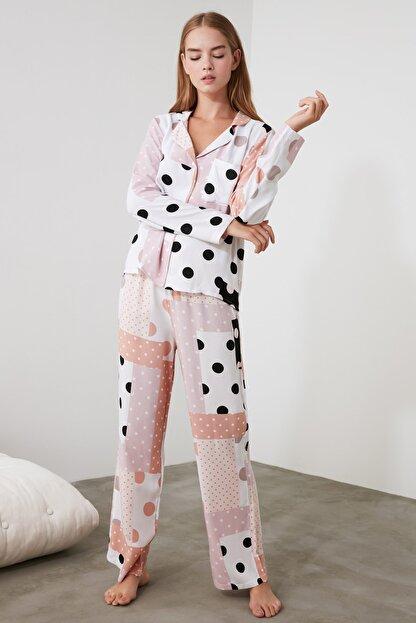 TRENDYOLMİLLA Patch Desen Dokuma Pijama Takımı THMAW21PT0046